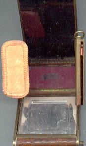 Vanity Item(s)/Compact/Leather Art Deco/Camera
