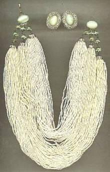 Set(s)Torsad Style Necklace & Ear Clips(Pale