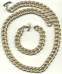 Set(s)Textured GT Link Necklace & Bracelet W/Toggle Clasps