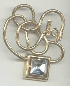 Necklace/Designer AVON GT Snake Chain W/LG SQ Glass Stone