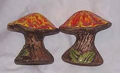 Salt&Pepper/Pottery 1970's Orange Mushrooms