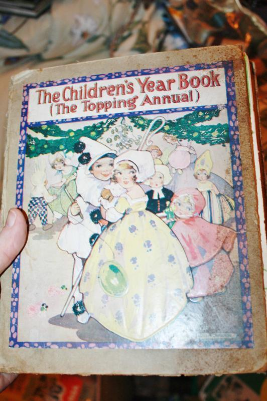 Children's Collectible Yearbook Topping Annual 1919