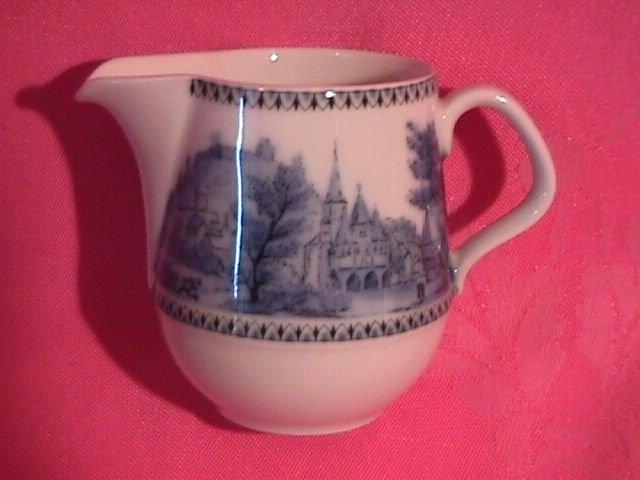 Eschenbach Bavaria Porcelain Creamer