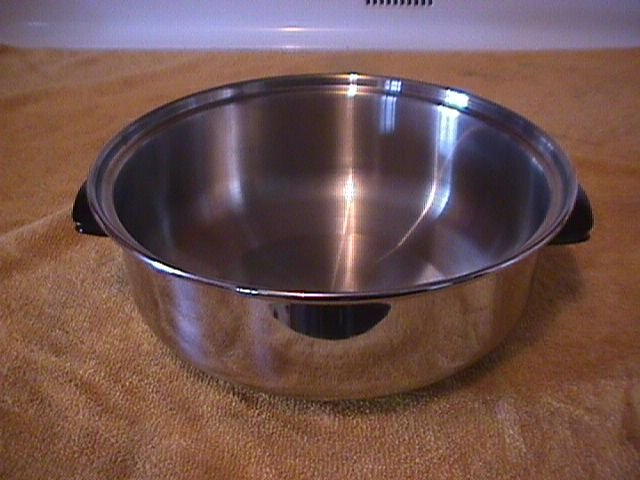 Chef's Ware-Townecraft Stainless  Cookware Pot/Dome Lid