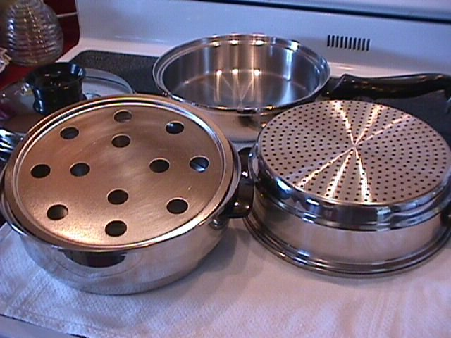 Chef's Ware-Townecraft  Stainless  Saucepan & Lid + 2=Separate Pots & a Steam Tray