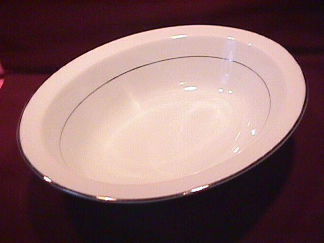 Noritake Fine China (Envoy #6325) Oval Vegetable