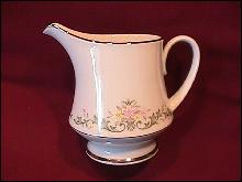Noritake Fine China (Early Spring #2362) Creamer
