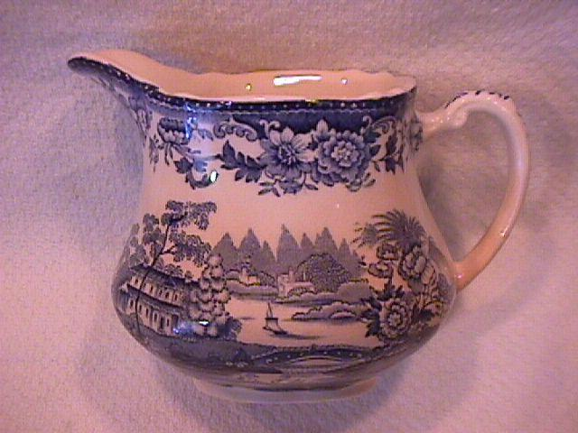 Royal Staffordshire-Clarice Cliff (Tonquin Blue) Creamer