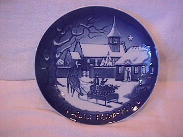 Bing & Grondahl Christmas Plate (Christmas at the Rectory ) 1992