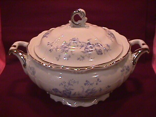 Edelstein Fine China (Ocean Blue) Covered Vegetable
