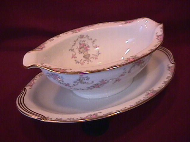 Noritake Fine China (Windsor)=#5924 Gravy Boat