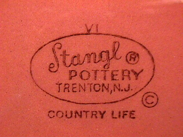 Stangl Pottery (Country Life) Round Vegetable
