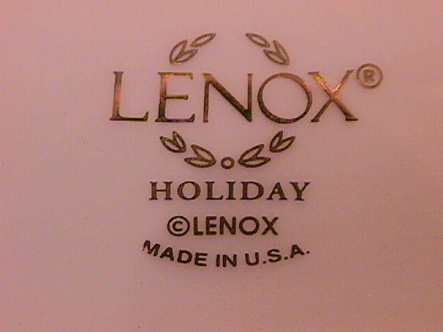 Lenox Fine Porcelain (Christmas Wreath) 3-Part Relish