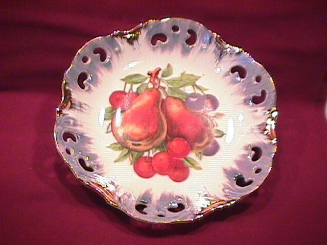 Porcelain, Pierced, Reticulated, (Fruit Decorated) Gold Accented Bonn Bon