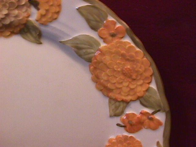 Metlox Poppytrail (Sculptured Zinnia) Dinner Plate