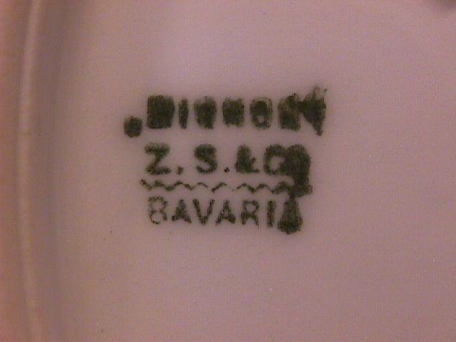 Z S & Co. Bavaria (Rose Trellis) Cake Plate