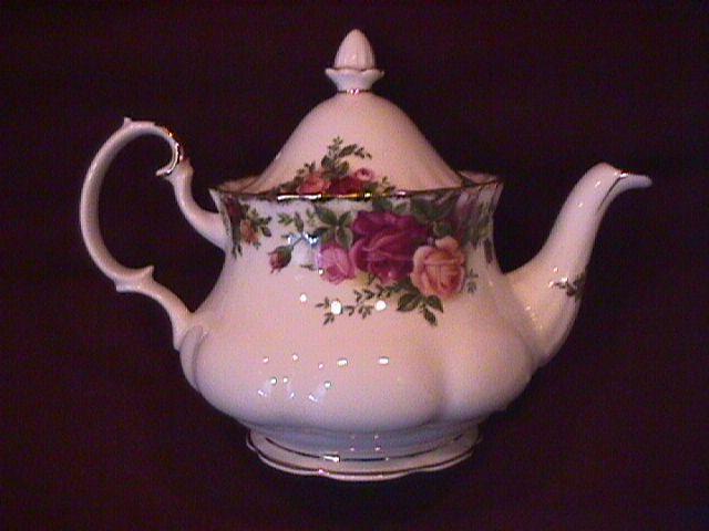 Royal Albert (Old Country Roses) Demitasse Tea Pot