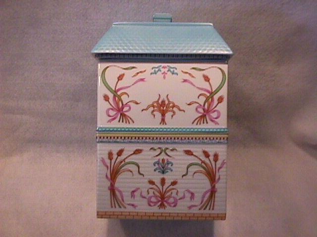 Lenox Fine Porcelain (The Lenox Village) Flour Canister