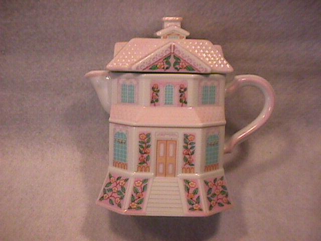 Lenox Fine Porcelain (The Lenox Village Creamery) Creamer
