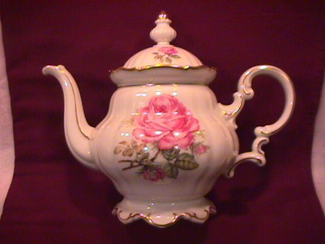 Hutschenreuther Fine China (The Dundee) Covered Tea Pot