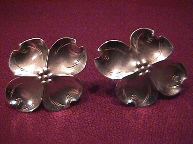 Stuart Nye Sterling (Dogwood) Screw-Type Earrings