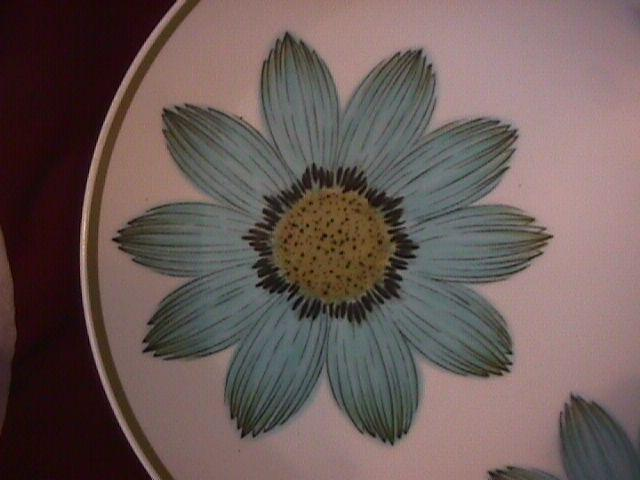Noritake Progression China (Up-Sa Daisy)  Dinner Plate