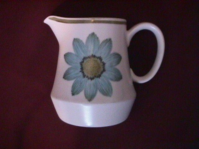 Noritake Progression China (Up-Sa Daisy) Creamer
