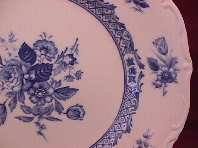 Mikasa Fine China (Rosalie) #L-9079 Dinner Plate