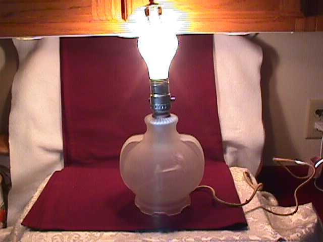 Frosted Glass Art-Deco Boudoir Lamp