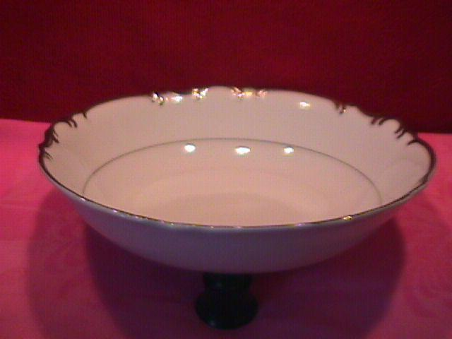 Mikasa Fine China (Marlboro) #9267 Round Vegetable