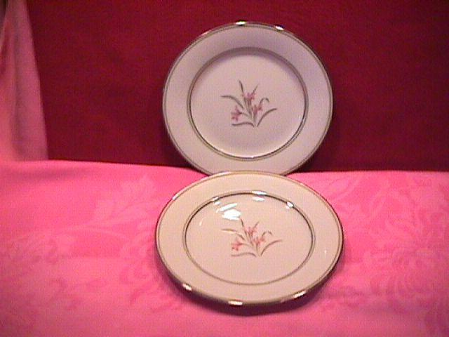 Noritake Fine China (Kent) #5422= 2-Cake Plates
