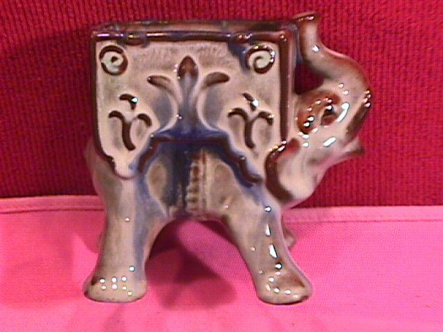 Goebel, Elephant Cigarette Caddy