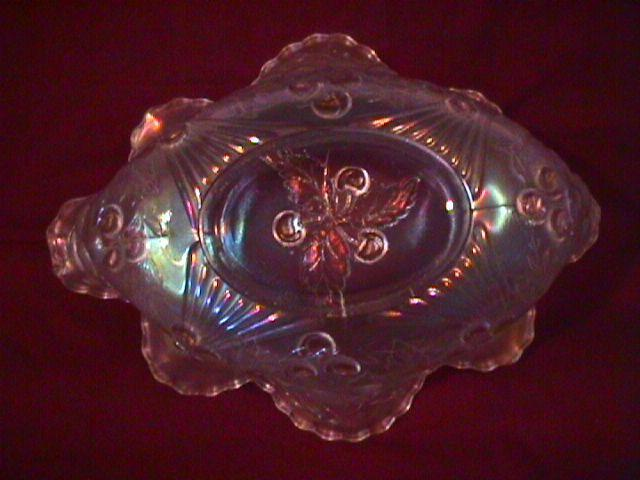 DUGAN WREATHED CHERRY BANANA BOAT WHITE CARNIVAL GLASS