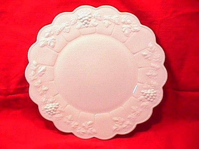 WESTMORELAND PANELED GRAPE DINNER PLATE MILK GLASS
