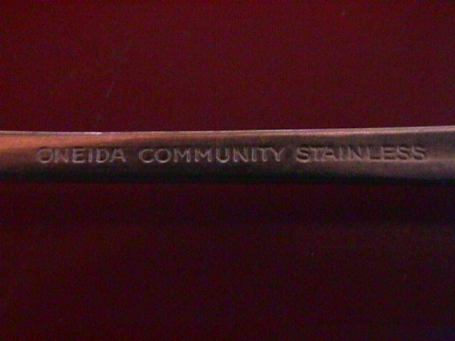 Oneida Stainless Patrick Henry Pierced Pie Server