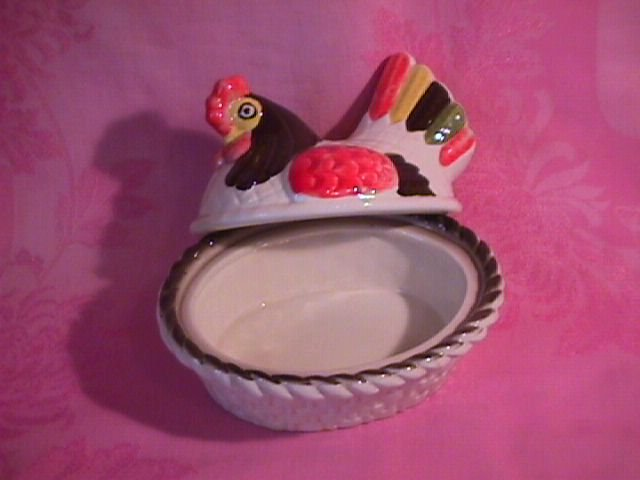 Metlox-Red Rooster Hen Covered Casserole