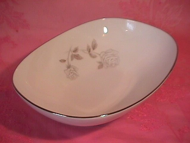 Noritake Rosay-6216 Oval Vegetable