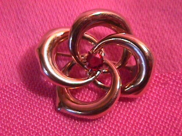 19Th Century Gold Swirl Pin with Garnet