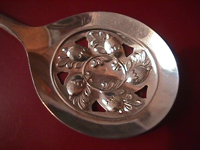 Sheffield England Silverplate Round Pierced Server