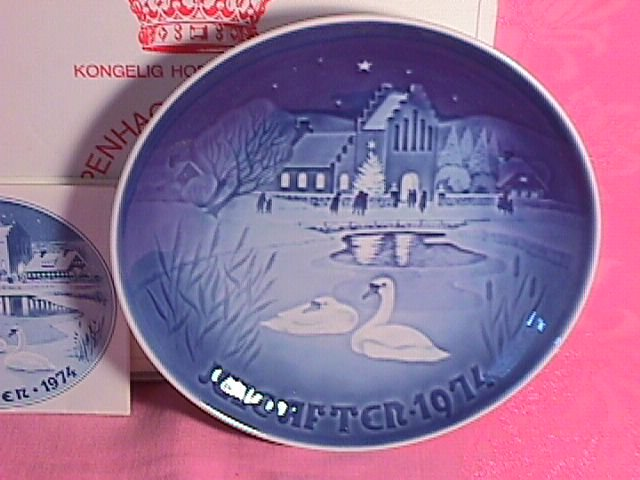 Bing & Grondahl Christmas Plate 1974-Christmas In The Village