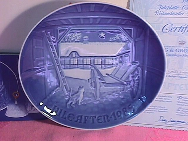 Bing & Grondahl Christmas Plate 1985-Christmas Eve At The Farmhouse