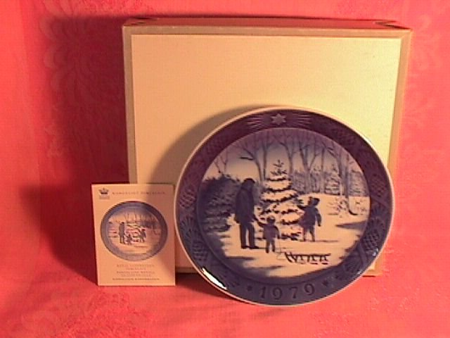 Royal Copenhagen Christmas Plate-1979 Choosing The Christmas Tree