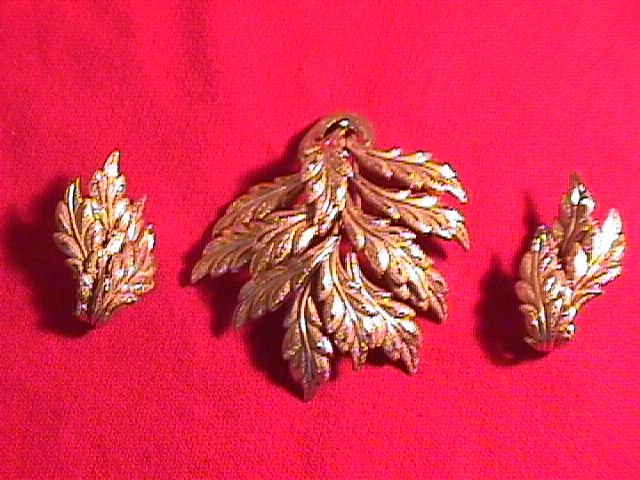 Castlecliff Leaf Form Pin & Earrings