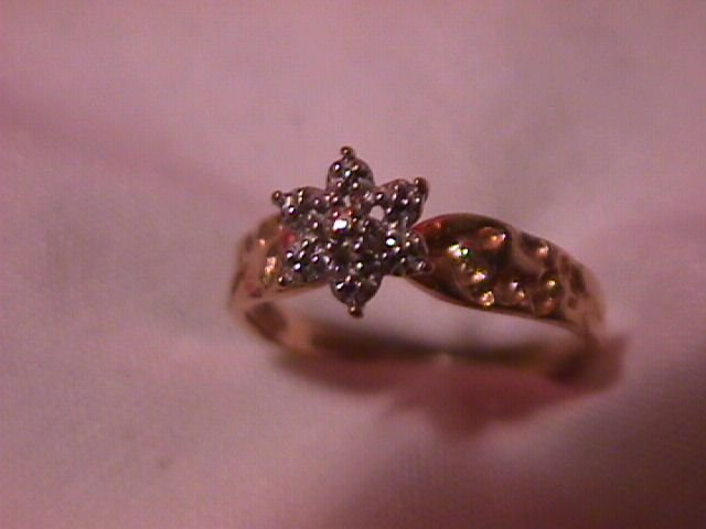 10K Solid Gold (2-Tone) Tiffany Star Mounted Diamond Ring