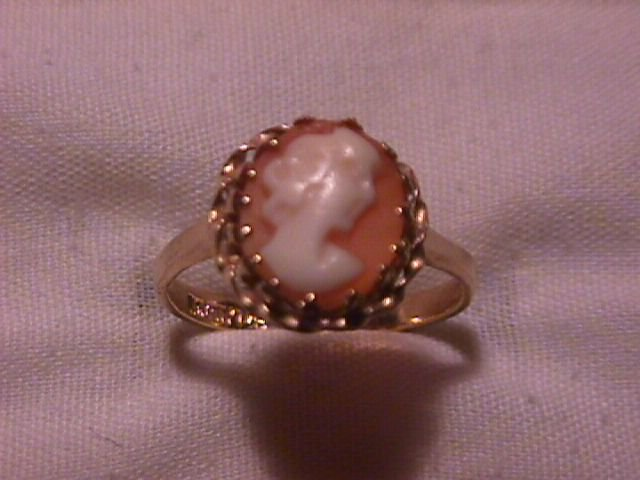 14K Solid Gold Shell Cameo Ladies Ring