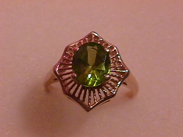 18K Solid Gold & Peridot Fine Ladies Ring