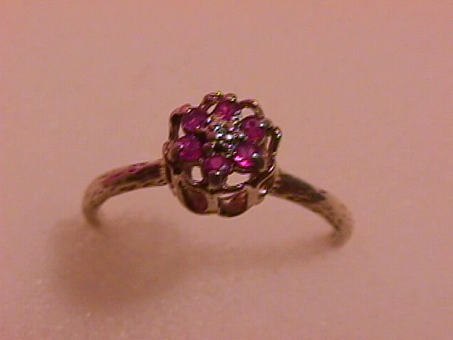 Antique 10K Solid Yellow Gold & Ruby Ladies  Ring
