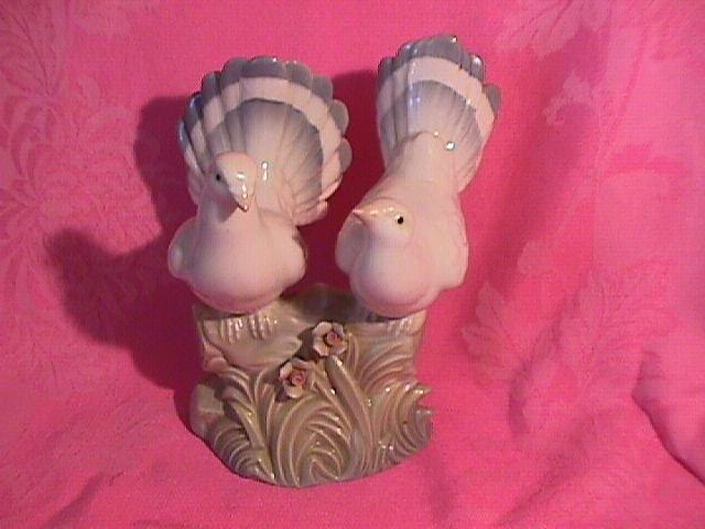 Double Pidgeon Figurine Made in Spain