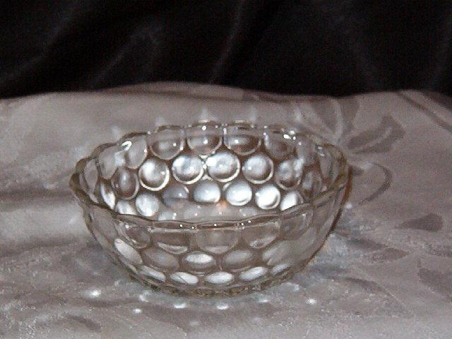 Anchor hocking Bubble Clear Fruit Bowl