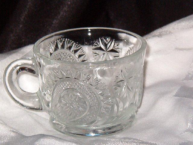 US Glass Slewed Horseshoe Cup